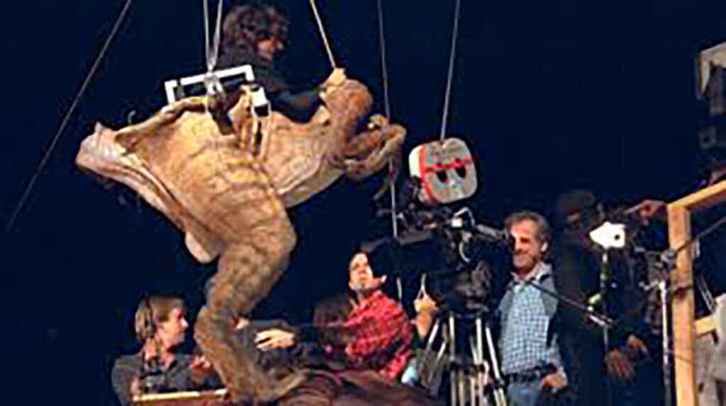 Jurassic Park behind-the-scenes with mechanical puppets